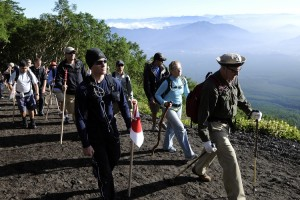 team trekking